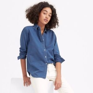 EVERLANE relaxed fit denim button down top